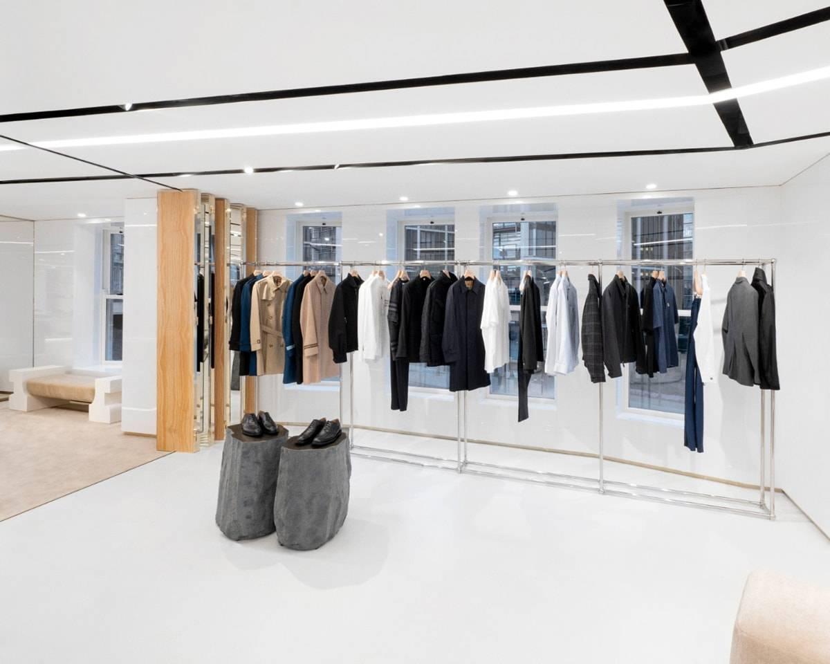 """Más """"british"""", más lujo: Burberry abre las puertas de su nueva flagship de Londres"""
